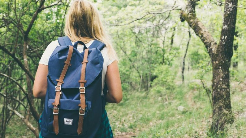 What To Wear Hiking In Hot Weather: Summer Hiking Outfits [2021]