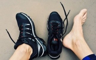 The Best Walking Shoes For Bunions in [2021] [Review & Guide]