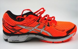 Best running shoes for women with wide feet HI