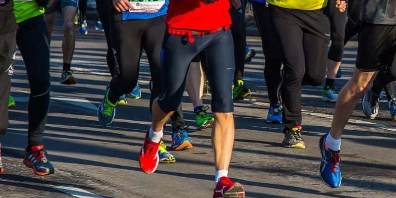 How to choose running shoes to improve your gait