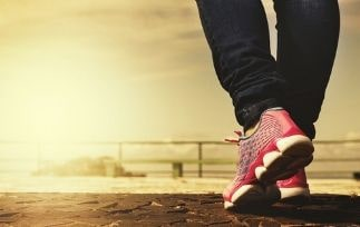 Are running shoes good for walking-HI-min