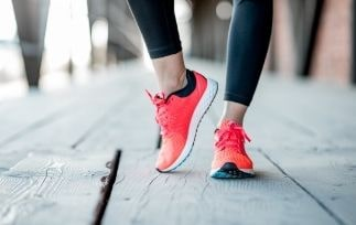 Best Running Shoes for Women with Wide Feet-min