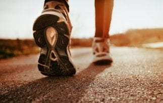 Best running shoes for metatarsalgia and high arches-min